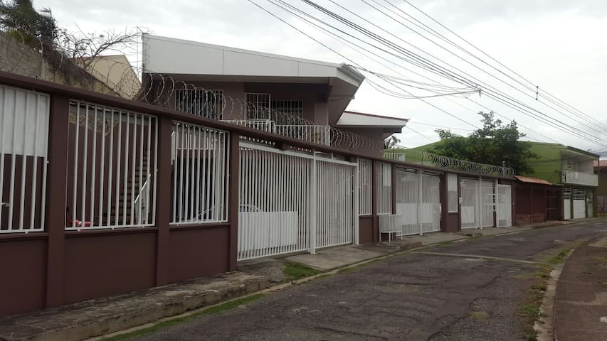 Private apartment. - Belen,Heredia, CR - Apartment
