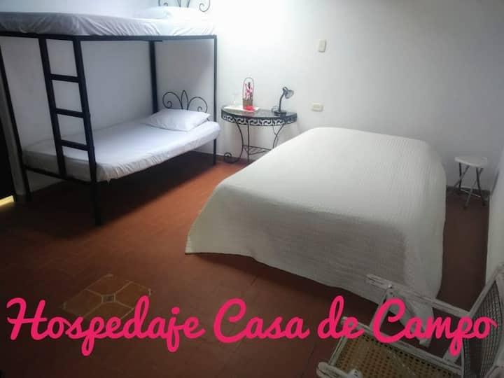 HABITACIÓN V JUNTO AL LAGO HOSPEDAJE CASA DE CAMPO