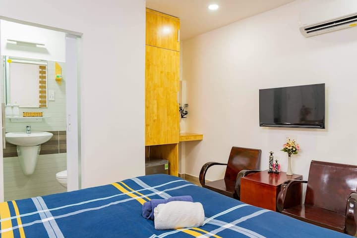 Queenbed WIFI Aircon@walking st Buivien Dist1 F7