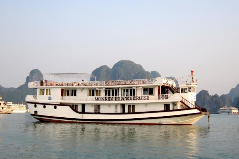 Monkey island cruise
