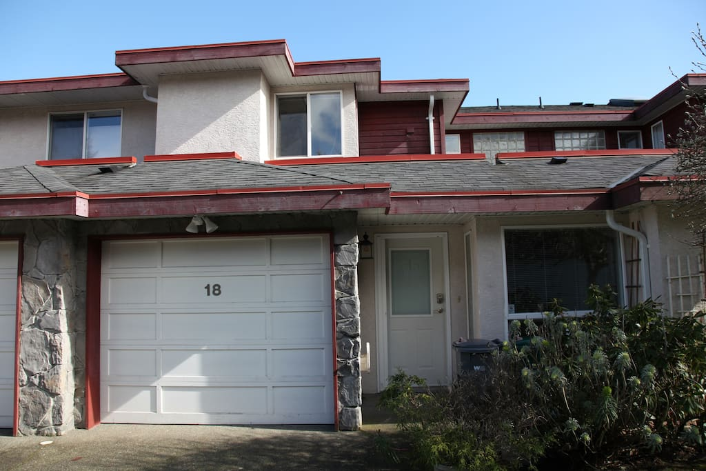larger 3 bedroom townhouse