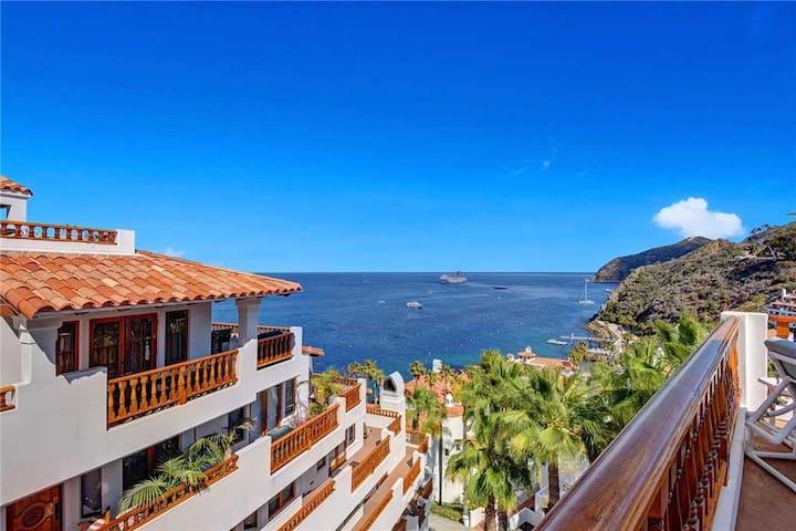 Spacious Villa, Wrap Around Balcony, 6 Seater Golf Cart, Spectacular Views - Hamilton Cove Villa 17-85