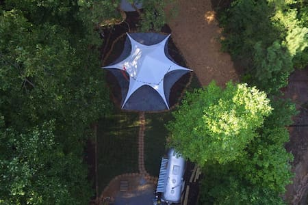Secluded Vintage Airstream With Unique Tree loft - Ellijay