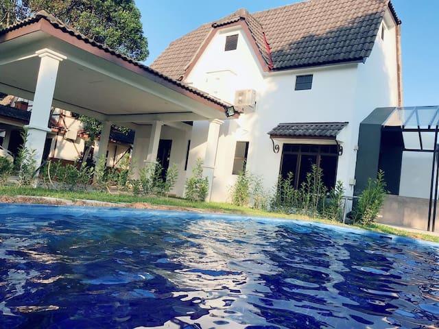 Common. s villa lot 1021 Famosa resort