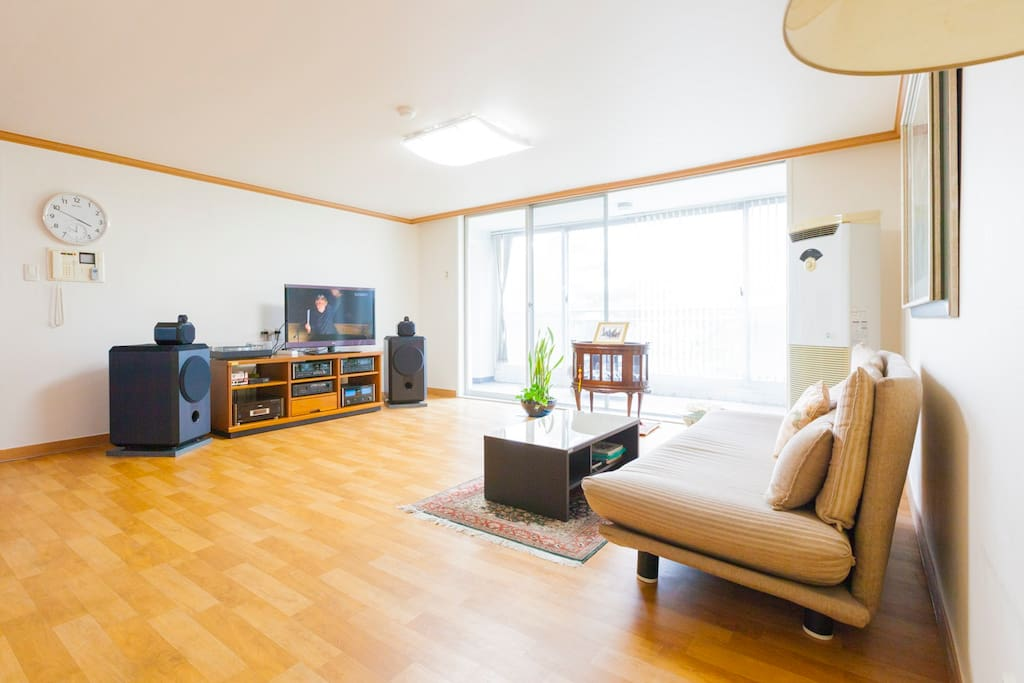 Pineville Home Twin Room Apartments For Rent In Gangseo Gu Seoul South Korea