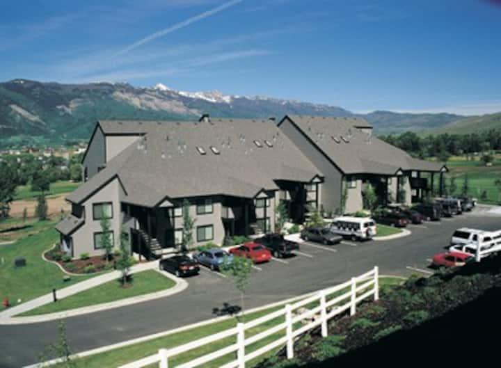 Wolf Creek resort style studio