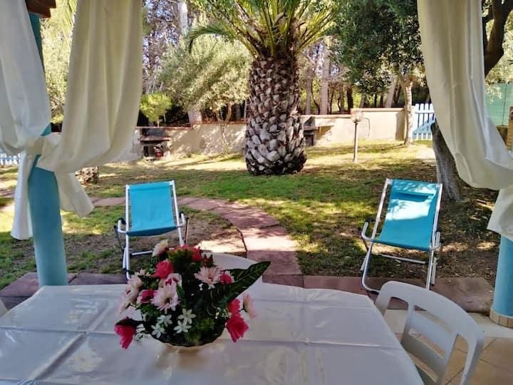 Appartement de 2 chambres à Calasetta, avec jardin clos - à 800 m de la plage