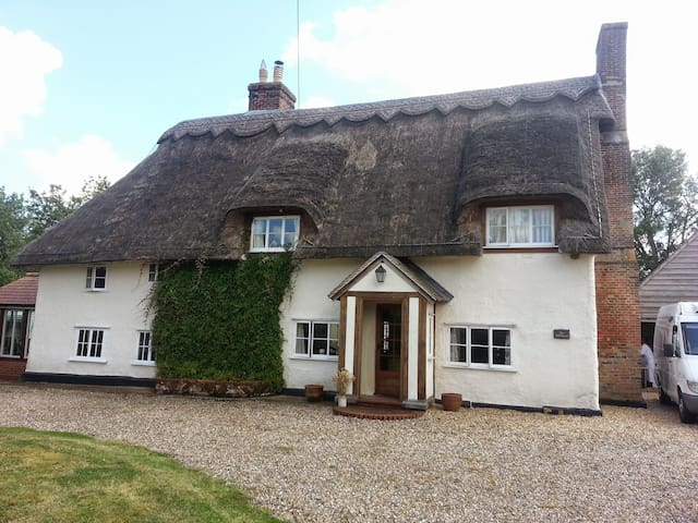 Charming period country cottage nr Bury St Edmunds