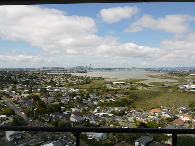 Panoramic Harbour and City Views - Auckland - Leilighet