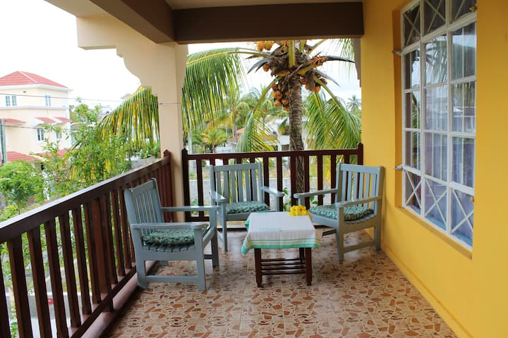 Apartment with 2 bedrooms in Trou aux Biches, with furnished balcony and WiFi - 1 km from the beach