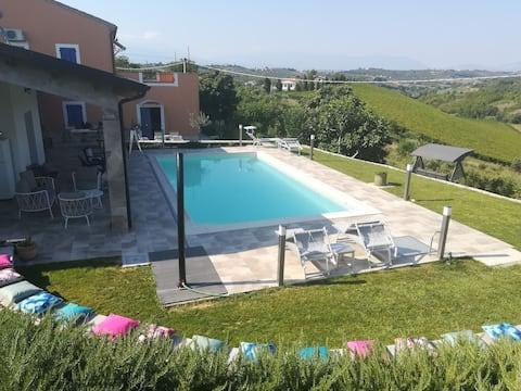 Luxe verbl VINO, 2 P, zwembad, privé buitenruimte