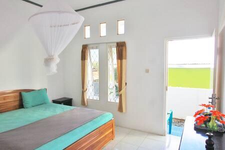 Manta Manta Standard Double Bed - 4 - Kampung Tenggah