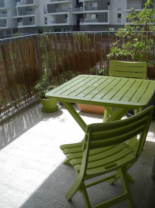 Autre angle de cette terrasse qui fait un des charmes de l'appartement