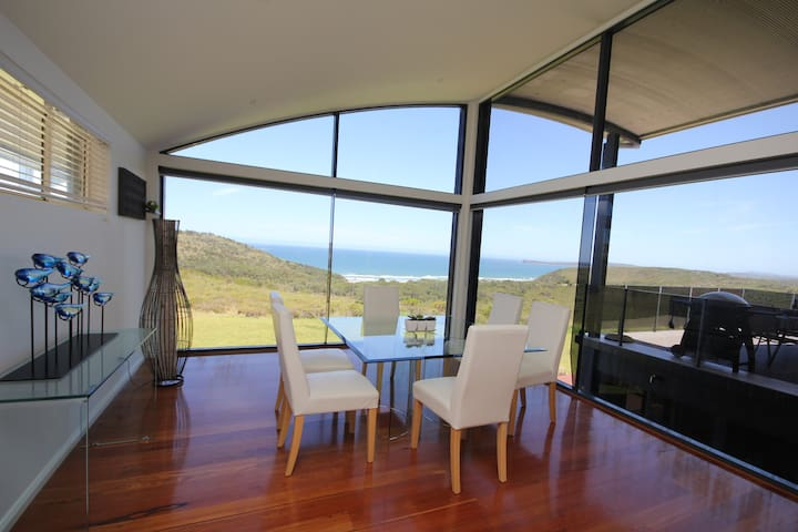 PARADISE - Stunning Views and Privacy - Bonny Hills - Huis