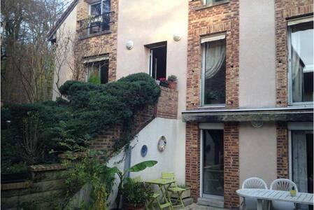 2/3 pièces sur terrasse et jardin - Chaville - Pis
