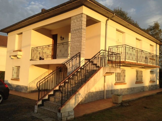 Grande maison individuelle - Agnos - Rumah