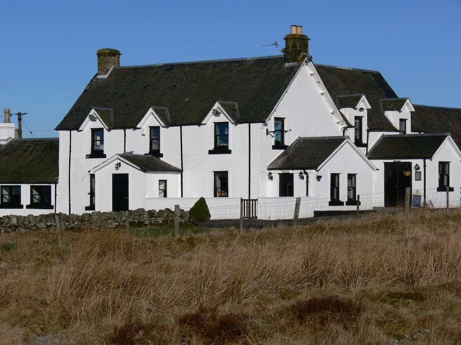 The Sheriffmuir Inn from the field