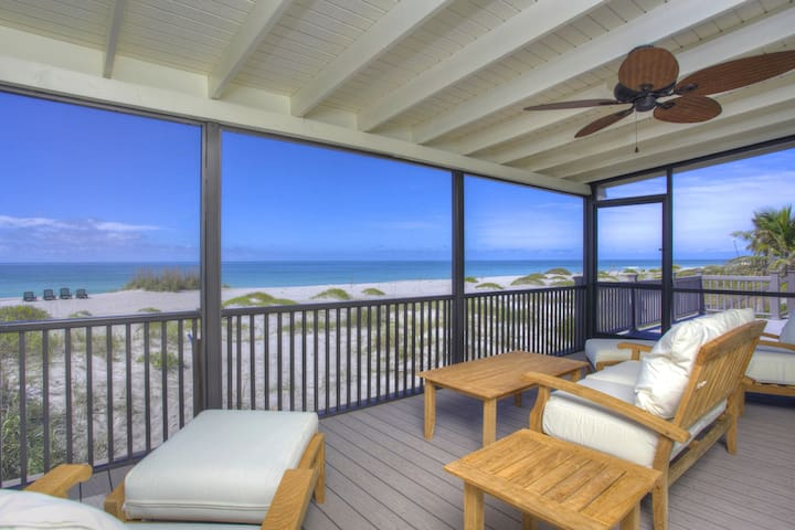 LUXURY BEACHFRONT HOUSE - DIRECTLY ON THE GULF