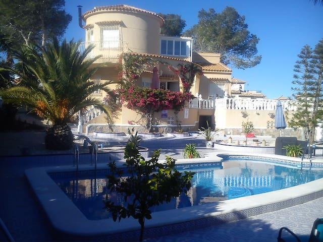 Villa with sea views - Villamartin  - Talo