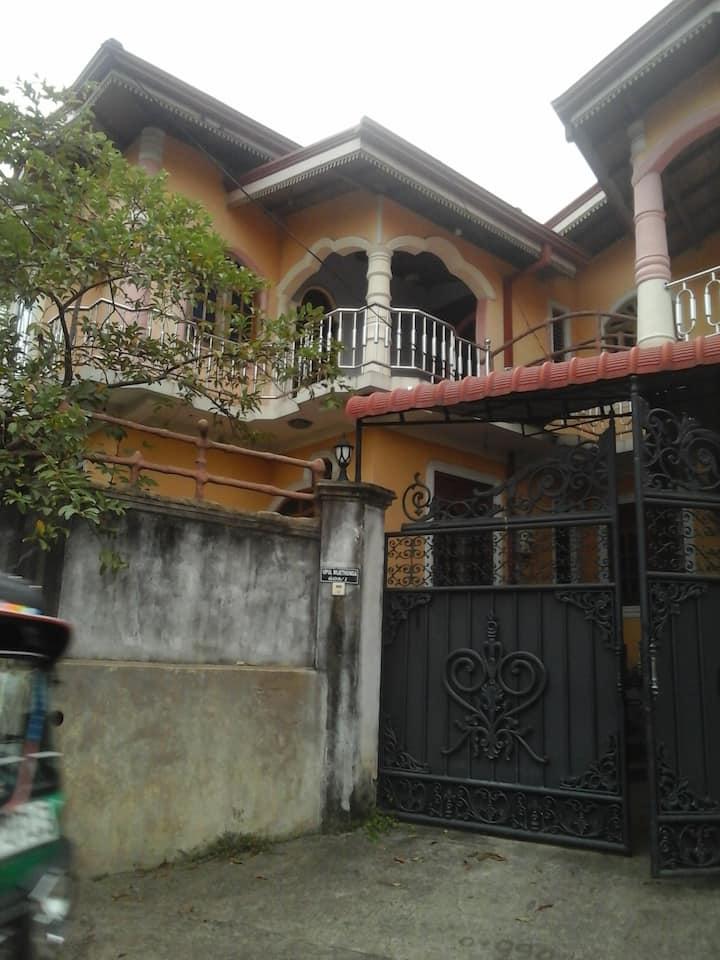 upul's Wattala house 20 minutes train to Colombo