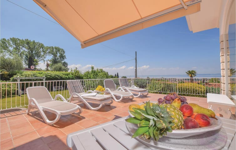 Holiday cottage with 4 bedrooms on 120m² in Bardolino (VR)