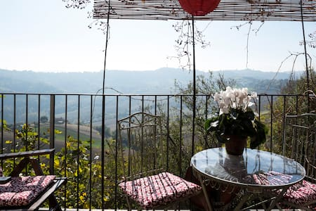 Cosy studio with panoramic views - Moregnano