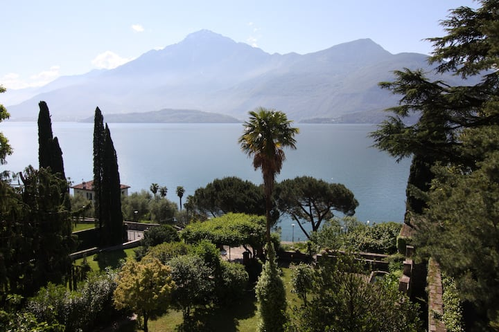 Wonderful apartment with stunning view Como lake