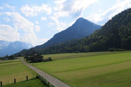 Ferienwohnung mit Alpenblick 2 - Farchant - House