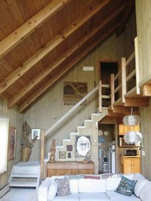stairs to upstairs level