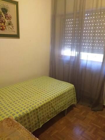 Habitación Para una persona o pareja.