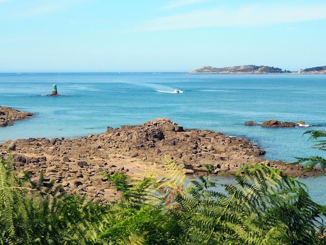Maison neuve splendide vue mer