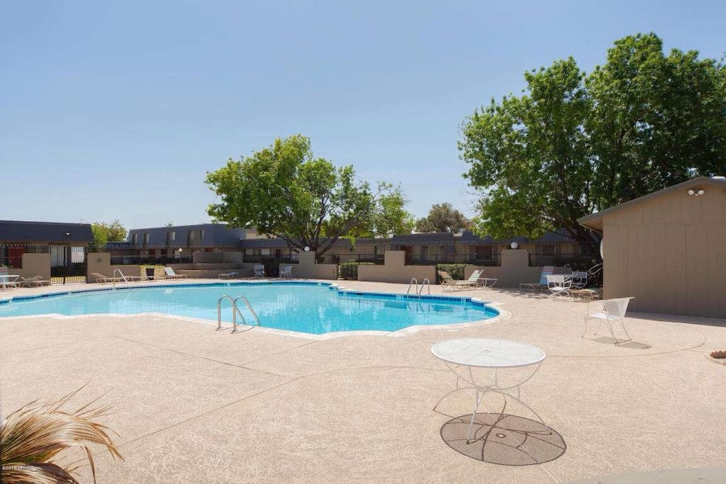 Community pool NOT HEATED