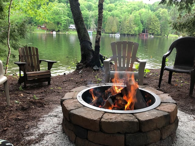Campfire Lodge on the water in the heart of Adks
