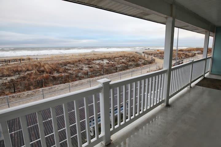 Spectacular Second Floor Oceanfront View!
