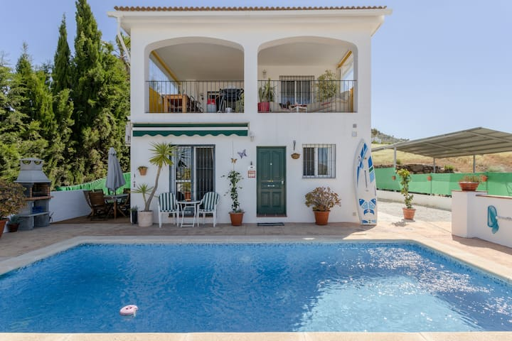 Cosy Holiday Home Caballo with Pool, Air Conditioning, Wi-Fi, Balcony, Terrace & Mountain View; Parking Available, Pets Allowed