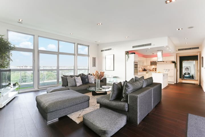 ♥Huge Penthouse ♥Open terrace ♥Convenient location