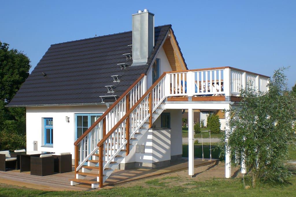 SmallHaus mit Terrasse und Balkon