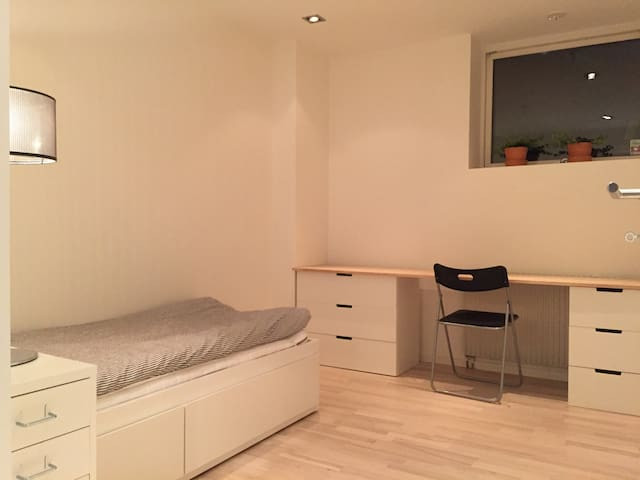 Bedroom 2 with possible extensionbed. Can create a doublebed. Same as in bedroom 2 images.