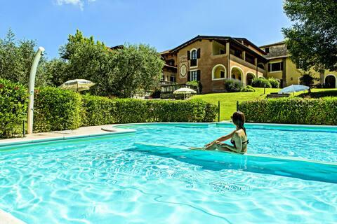Gemütliches Ferienhaus mit Pool in Manerba del Gardasee