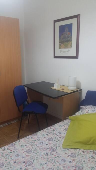 Habitación doble tranquila y confortable.