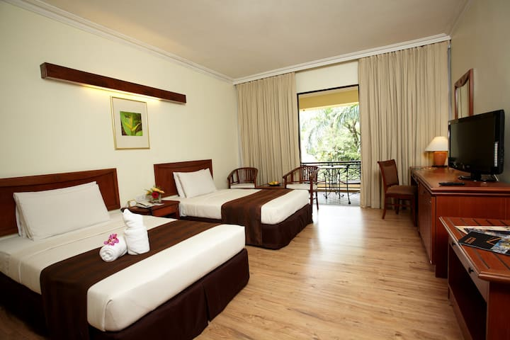 Heliconia Twin Room inclusive of 2 buffet breakfast