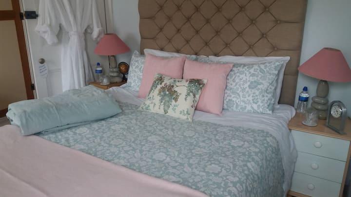 23 Brookdales,  Kingsize En-suite Bedroom