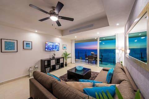 ¡Precioso condominio con impresionantes vistas al mar!