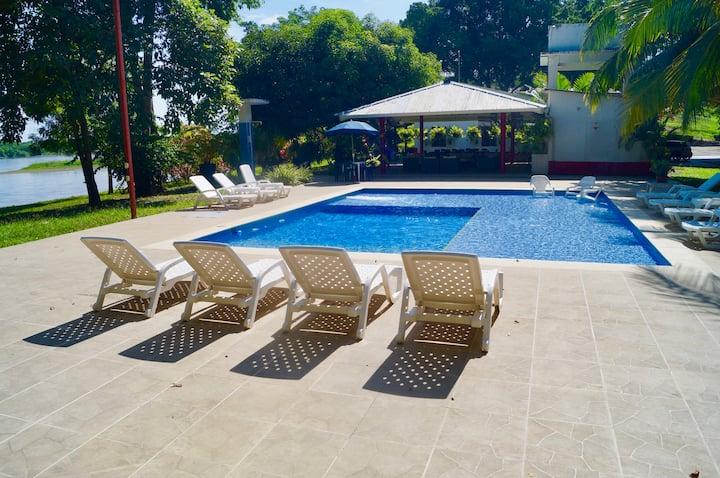 Villa Puerto Triunfo, Doradal - Parque Napoles