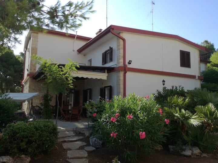 Villa Mariolina a Bari-Palese a 100 metri dal mare