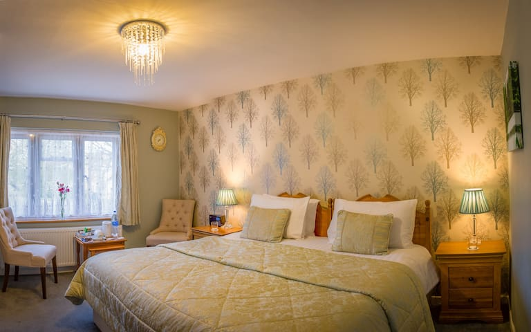 Holly House Bed and Breakfast Rissington Room