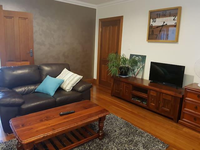 Simplicity with a view, Kangaroo Island(free wifi)