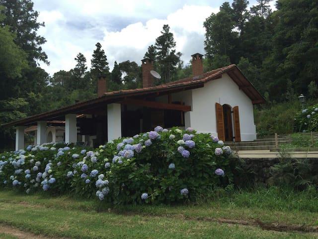 Fazenda Floresta Negra Guest House - Monte Verde - Blockhütte