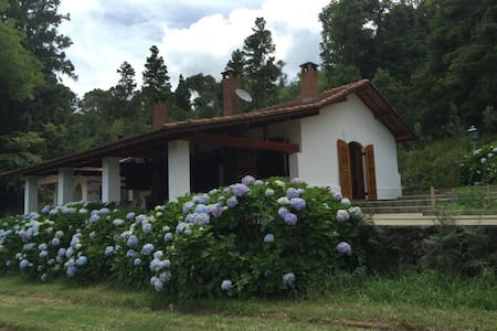 Hospedagem Fazenda Floresta Negra - Monte Verde - Cabin