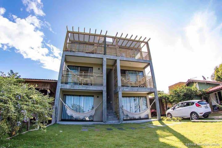 Apartamento aconchegante na Praia do Rosa!
